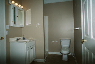 bathroom 2, view 1